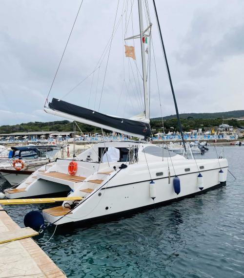 Right side catamaran