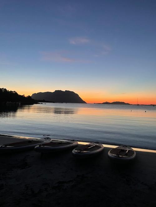 SUP en la playa al amanecer