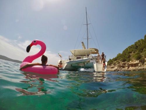 Catamaran and relaxation
