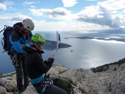Paar auf dem Gipfel des Tavolara