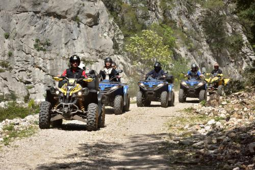Quad hikers for 2 people