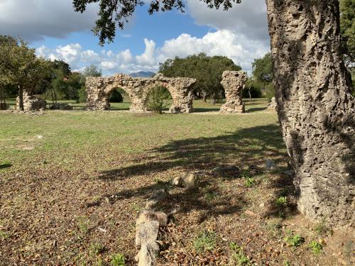 Reste einer römischen Brücke in der Gegend von Olbia