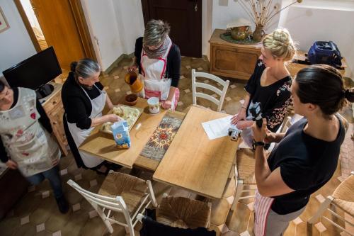 Lezione di cucina a Mamoiada