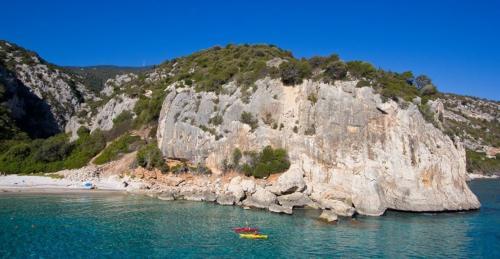 Geführter Kajakausflug zur Grotta del Bue Marino