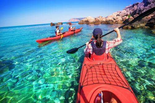 Kayak hikers in Bosa