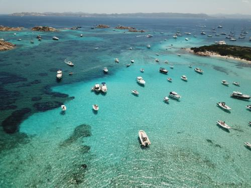 Boote im Archipel von La Maddalena