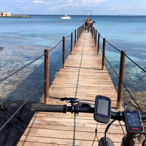 Überfahrt mit dem Fahrrad