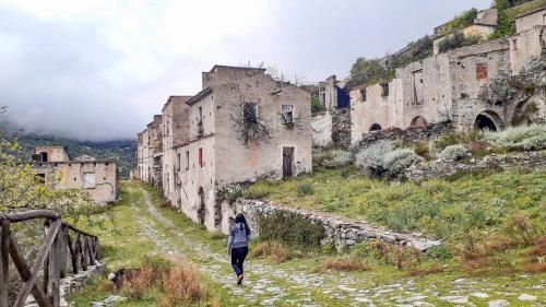Zu Fuß nach Gairo Vecchio