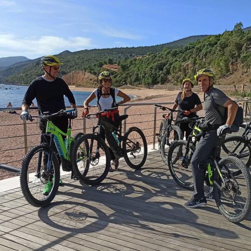 Vélos et randonneurs