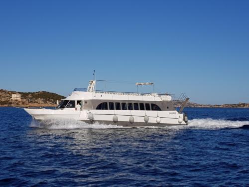 Motorboot während einer Tagestour zum La Maddalena Archipel