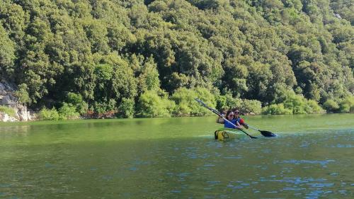 Kanuwanderer in dem Cedrino Fluss
