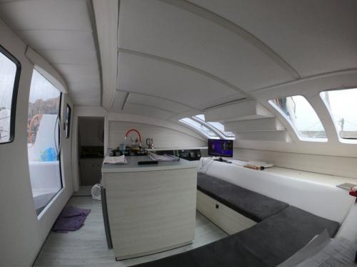 Innenraum eines Katamarans