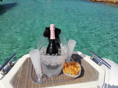Aperitif served on board an inflatable boat