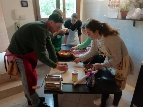 Group during culurgiones cooking class