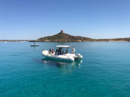 Schlauchboot während der Tour mit Passagieren