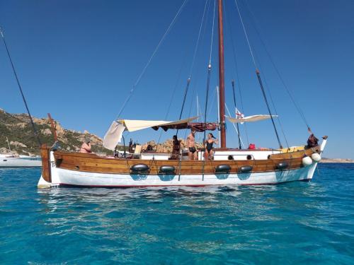 Vintage und Passagiersegelschiff