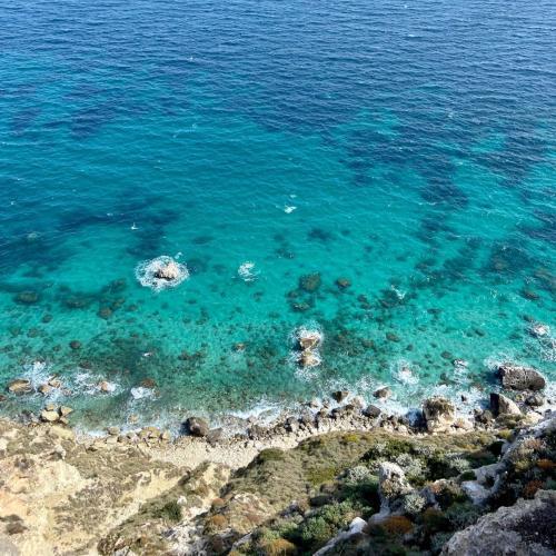 Meer des Golfs von Cagliari