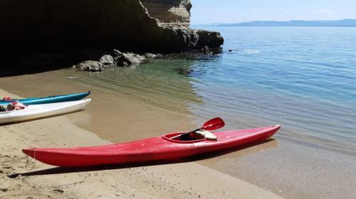 Kayak en la costa de Porto Torres