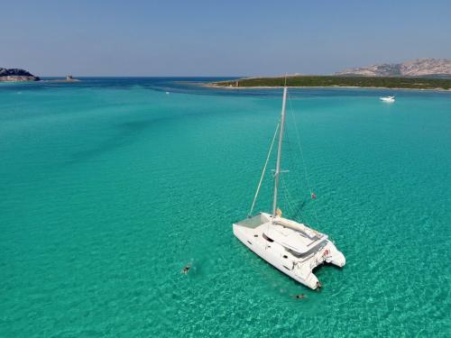 Catamaran to Stintino