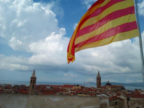Panorama über den Dächern von Alghero