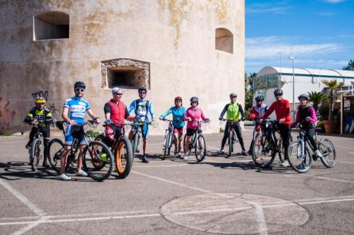 Group of bike hikers in Torregrande