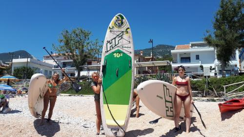 Girls ready for a SUP excursion from Cala Gonone beach