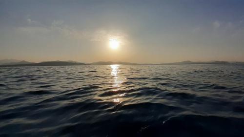Beiboot-Ausflug nach Tavolara bei Sonnenuntergang