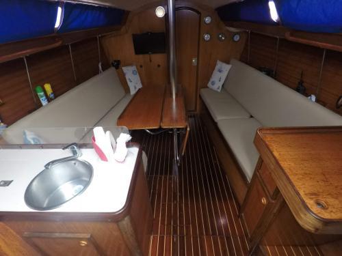Kabine eines Segelboots