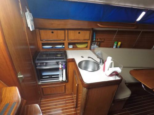 Küche eines Segelboots