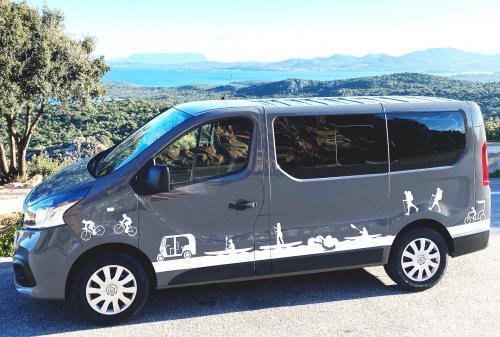 8-seater minivan