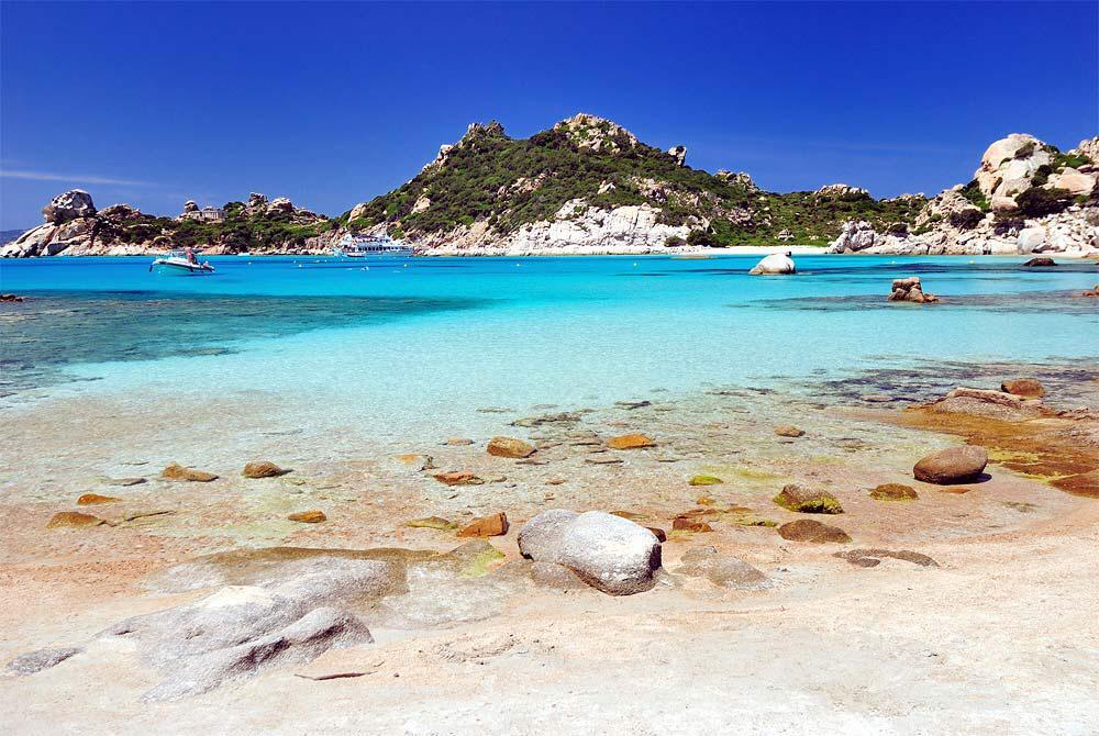 Insel und Meer des La Maddalena Archipels