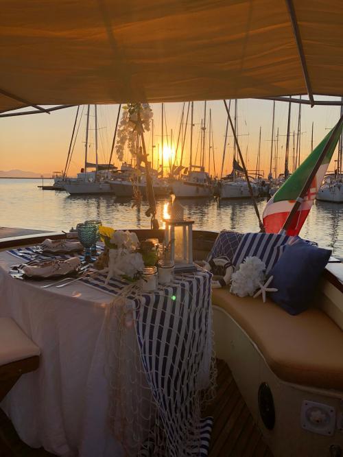 Weinlese-Bootsausflug bei Sonnenuntergang