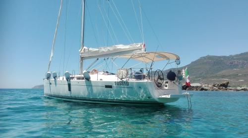 Sailboat in Bosa