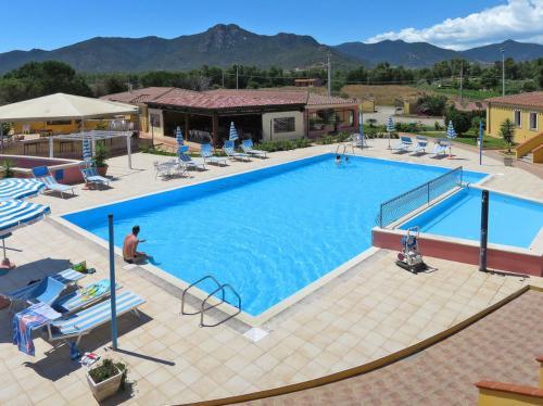 Übersicht Schwimmbad Residenz in Arbatax