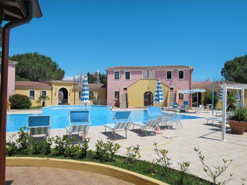 Residencia con piscina cubierta en Arbatax