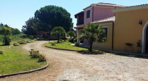 Residencia jardín al aire libre en Arbatax