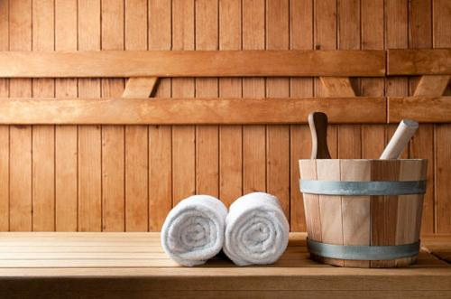 Towels and water for the sauna