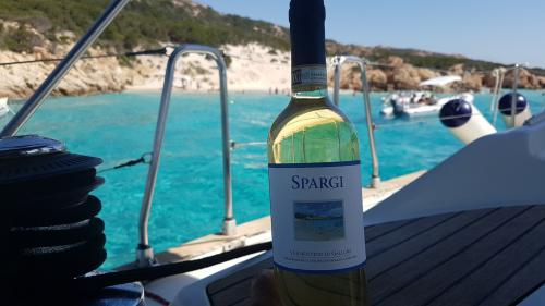 White wine served during a motor boat excursion