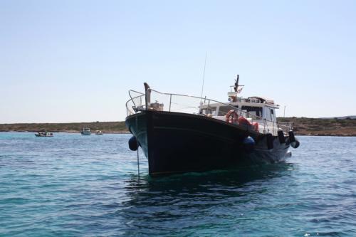 Barca a motore nell'Arcipelago di La Maddalena