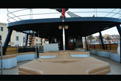 Standard Deck Sitzplätze im Motorschiff