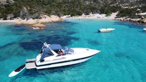 Barca a Spargi nell'Arcipelago di La Maddalena