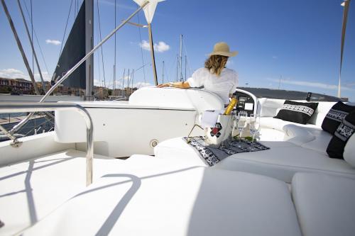 Cuscineria e ragazze Yacht di lusso Poltu Quatu