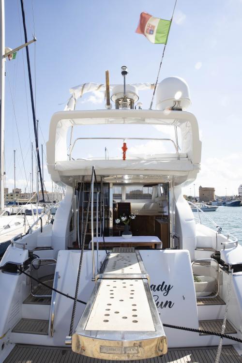 Poppa yacht di lusso Poltu Quatu